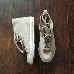 New Gap High Top Sneakers Tan Sz 7